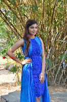 Tamil Actress Sanchita Shetty Latest Pos in Blue Dress at Yenda Thalaiyila Yenna Vekkala Audio Launch  0005.jpg