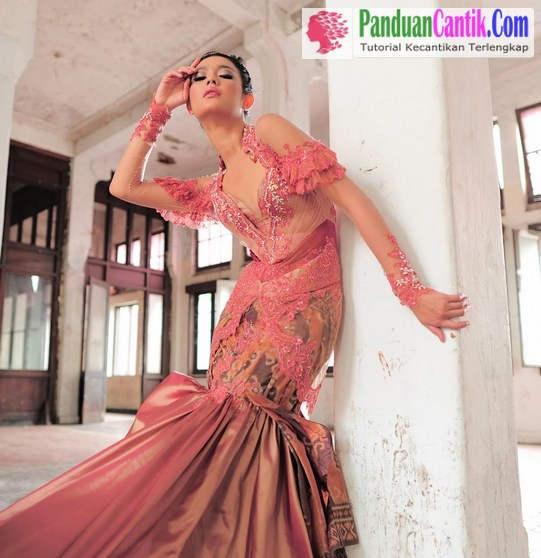 Model Rok Kebaya Mermaid Putri Duyung - 4 Jenis Model Rok Kebaya Modern Untuk Pinggul Besar dan Langsing Terbaru