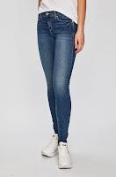 jeansi-de-firma-pentru-femei-3