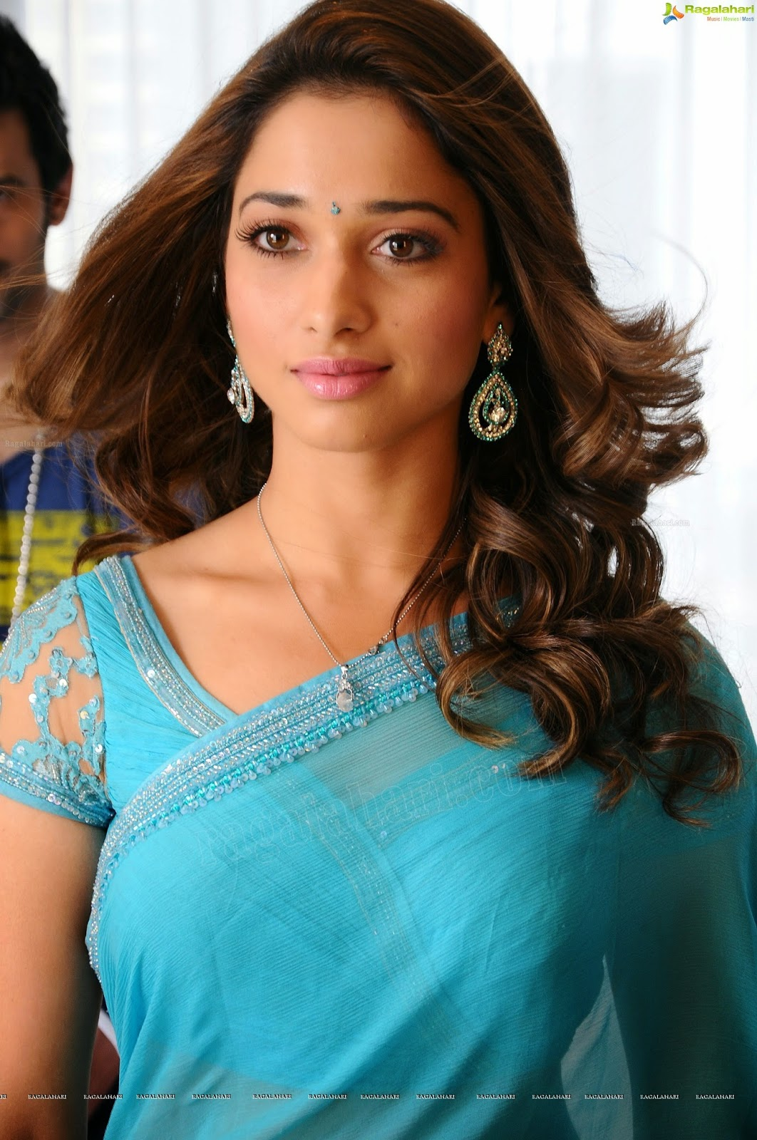 Tamanna Saree Gulte: OnLy AcTrEsS: Tamanna Front And Side View Hot In Blue