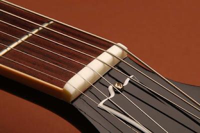 Cách khắc phục đàn guitar bị rè và tắt tiếng