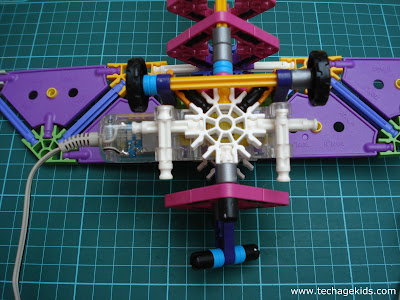 Motor attached to K'Nex set
