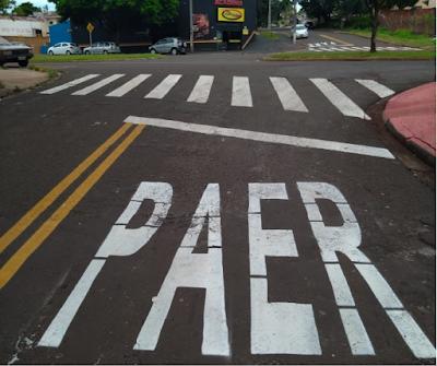 Erro de ortografia na sinalização em rua de Maringá vira piada