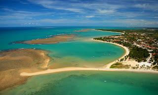 http://3.bp.blogspot.com/-2xeMuNXzUjk/US32iF3TVqI/AAAAAAAAAKg/XyH31-zoRzY/s1600/spiaggia-porto-seguro-brasile.jpg