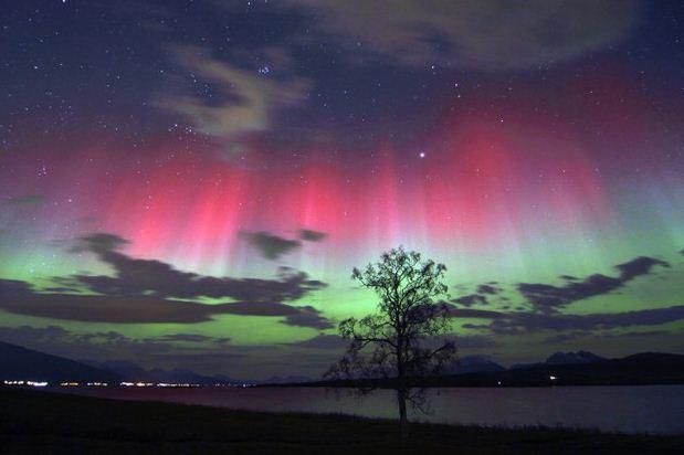 Fenomena Cahaya Aurora