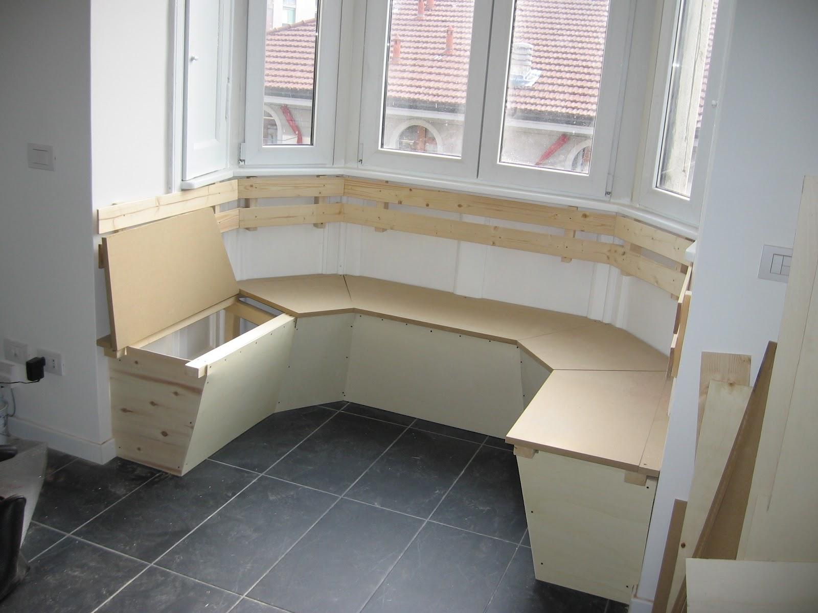 Mobili per balcone e altro for Divanetto da balcone