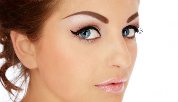 Permanent Eyebrows : Cosmetic Tattoing