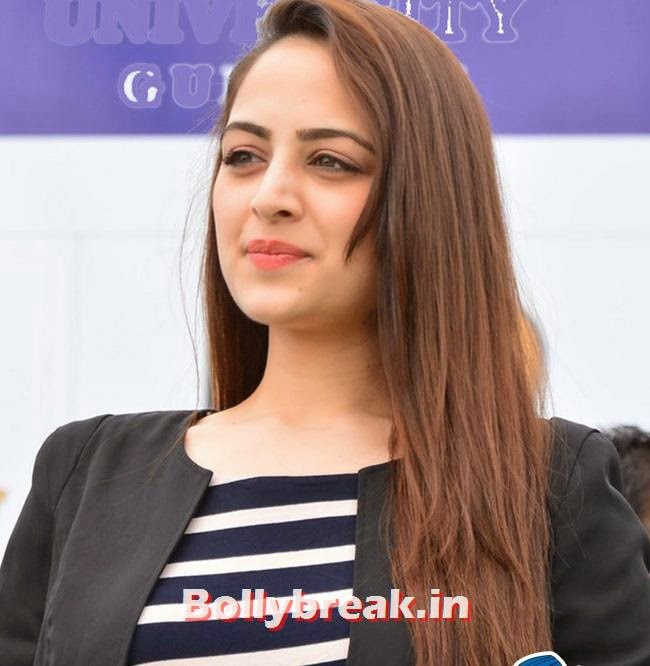 Zoya Afroz, Zoya Afroz Promotes movie XPOSE in Gurgaon
