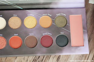 Review: The dark Side - Mrs. Bella Lidschatten Palette - www.annitschkasblog.de
