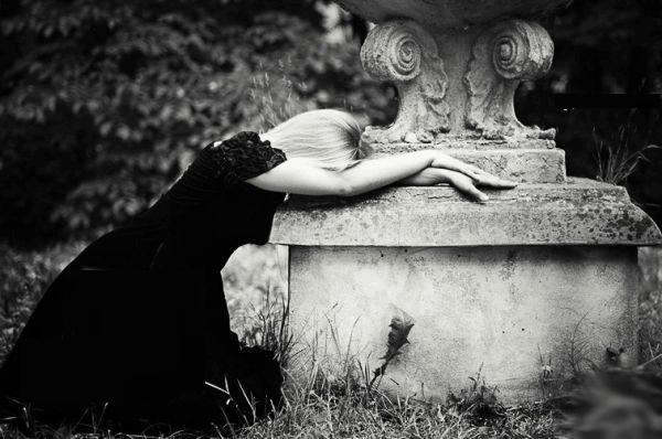 صور بنات حزينة 2017 اجمل خلفيات بنات حزينات للفيس بوك