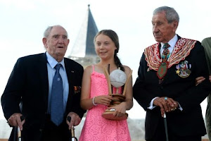 Teenage climate campaigner Thunberg honoured in France