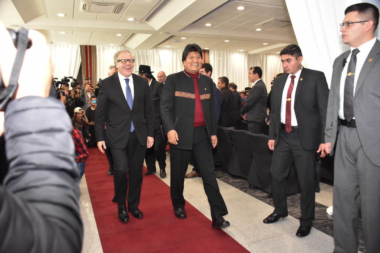 Almagro y Morales juntos. El secretario ejecutivo de la OEA confirmó la presencia de un equipo de veedores para las elecciones de octubre / ABI