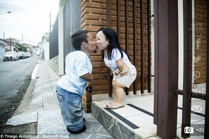 World's shortest couple clocks 10 years of being together