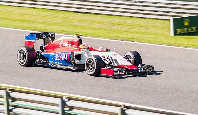 Gambar Mobil Balap F1 Manor 02
