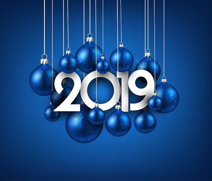 Blue 2019 new year background with christmas ball free vector