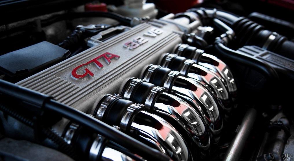 En güzel görünüme sahip 6 otomobil motoru - Sekiz Silindir