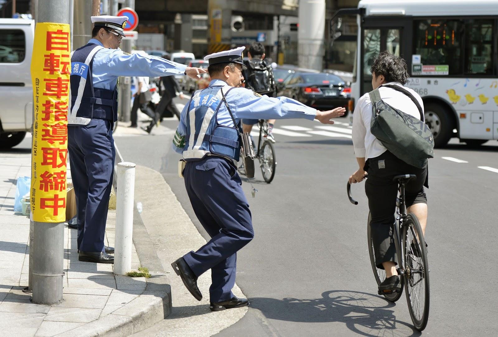 Image result for bersepeda di jepang