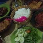 Kuliner Indonesia - Lesehan Pak Sholeh