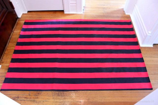 My DIY foyer rug in place