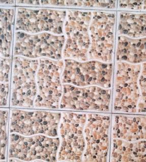 Keramik motif batu bulat kecil kombinasi