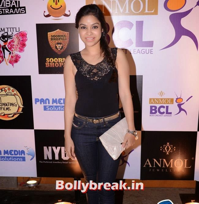 Sumona Chakravarti, Box Cricket League Success Party - Tv Babes as Guests