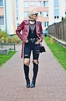 http://www.karyn.pl/2016/12/czarne-spodnie-z-wysokim-stanem.html