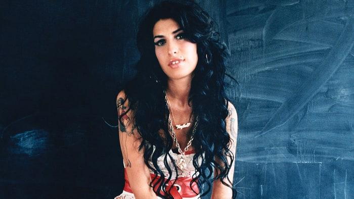 Daftar Album dan Judul Lagu Amy Winehouse