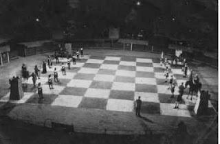 Ajedrez viviente en Manresa en 1958