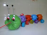 gusano reciclado con botellas