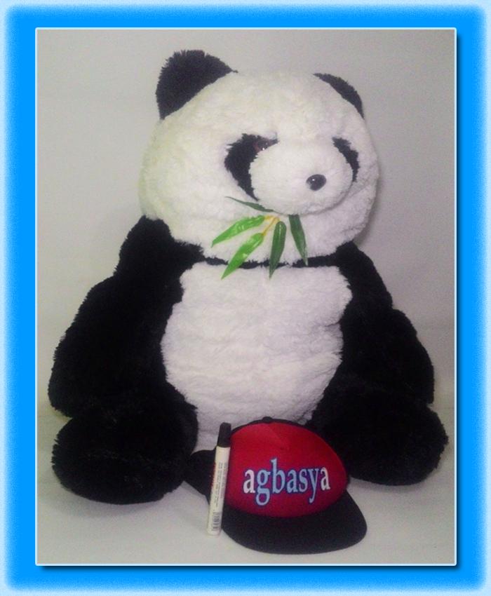 Boneka panda bambu