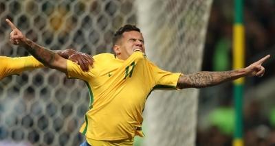 Coutinho dá show, Brasil vence o Equador por 2 a 0 e se isola na liderança das Eliminatórias