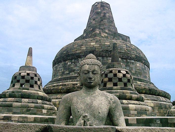 Akulturasi Kebudayaan Hindu Buddha Dengan Kebudayaan Lokal Indonesia