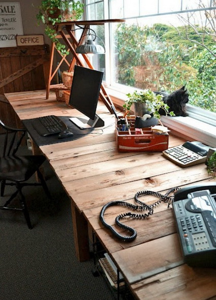 Office Furniture Made With Wooden Pallets 3