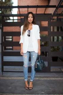 Peça branca é um essencial - blazer e blusa brancos