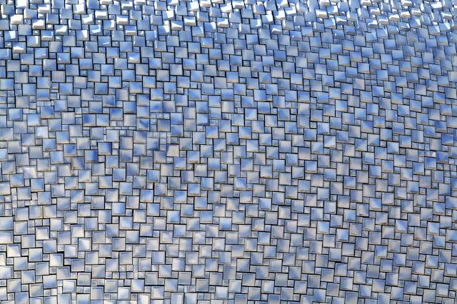 is een ontwerp van bierman henket architecten die koepel is bedekt met duizenden tegeltjes van makkums aardwerk de volgende keer gaan we naar binnen