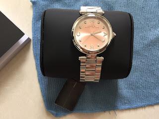 Sài Gòn: Đồng Hồ Nữ Marc By Marc Jacobs Women's Mj3447 Dotty Stainless Steel Bracelet Watch - 1