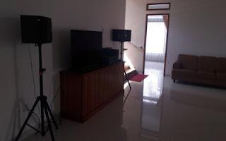 villa fasilitas karaoke di lembang