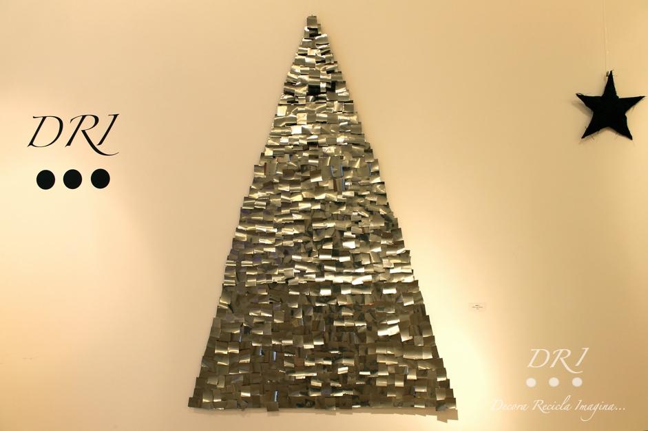 Decora recicla imagina rbol de navidad de latas recicladas - Como se decora un arbol de navidad ...