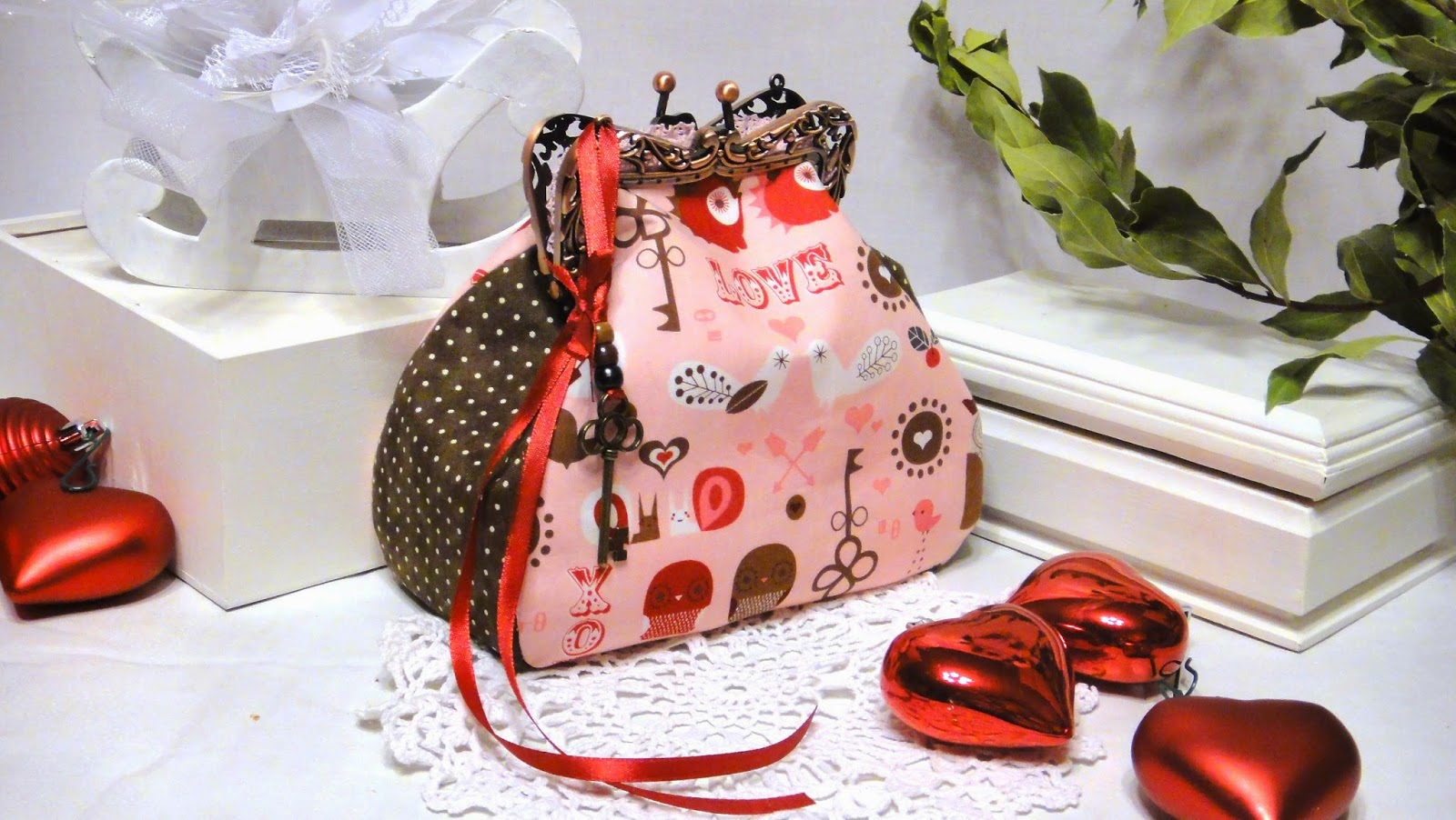 Косметичка шоколад и розовый - новогодний подарок для любимой девушки-красавицы