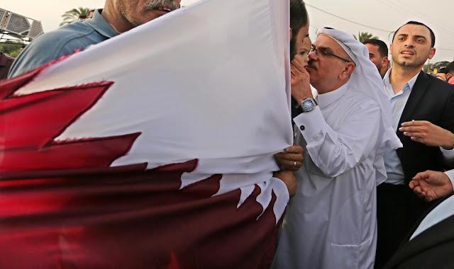 """""""إسرائيل"""" تشكر قطر لدورها في تحسين أوضاع قطاع غزة"""