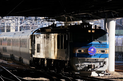 上野駅に到着する寝台特急カシオペア