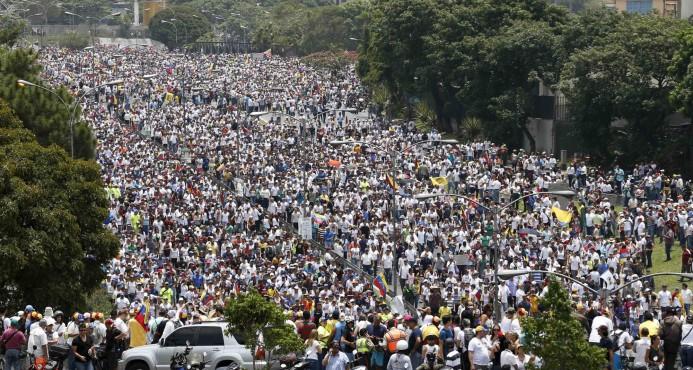 Marchas en Venezuela cierran con llamados a más protestas y a nuevo diálogo