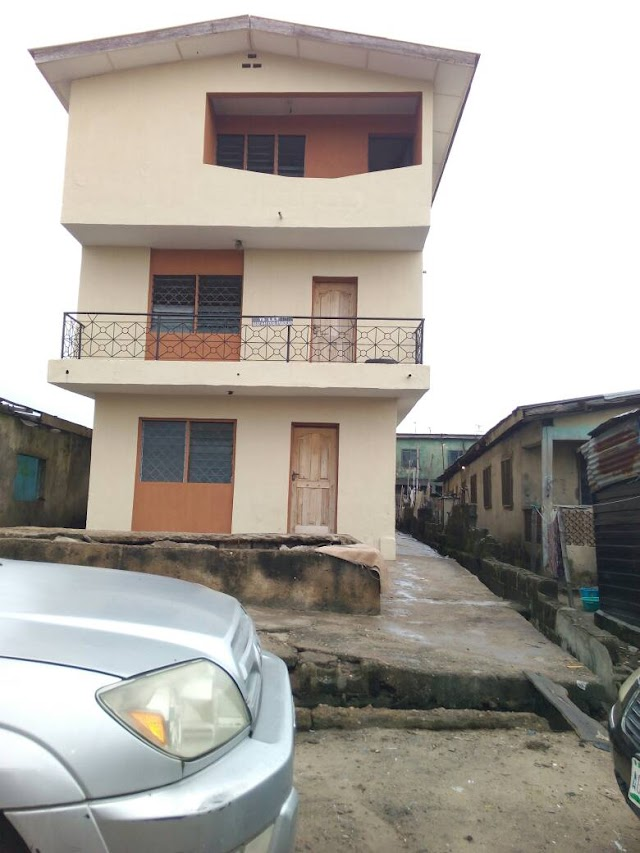 2 story Building with 6 units, 2 Bedroom Flats for Sale in Alaba Market