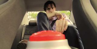 Δίνουν 100 δολάρια σε Όποιον αντέξει να κάτσει μέσα σε αυτό το αυτοκίνητο 10 λεπτά. (Βίντεο)