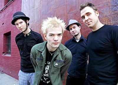 Biografi Sum 41   Sum 41 adalah sebuah Kumpulan Canadian rock dari Ajax, Ontario , mereka mula aktif sejak tahun 1996. Anggota asal mereka ialah Deryck Whibley ( lead vocals , rhythm guitar ), Jason McCaslin ( bass guitar , backing vocals ), Steve Jocz ( drums , backing vocals ) dan Tom Thacker ( lead guitar , backing vocals, keyboard ) . Kemudiannya mereka menukar posisi yang kekal sehingga hari ini seperti Deryck Whibley (vokal, rhythm guitar), Jason McCaslin (gitar bass, vokal latar), Steve Jocz (drum, backing vokal) dan Tom Thacker (lead guitar, vocals, keyboard).Nama Sum 41 dipilih karena band ini dibentuk 41 hari sebelum musim panas (summer). Sum 41 dibentuk oleh Deryck Whibley (vokal, gitar) dan Steve Jocz (drum) yang merupakan teman semasa SMA, aku pun tak tahu apa itu SMA. Anggota ketiga yang memasuki band ini adalah Dave Baksh (gitar), dan yang terakhir adalah Jason McCaslin (bass)  pada tahun 1999 setelah sempat berganti-ganti pemain bass. Mereka mengeluarkan album pertama mereka pada tahun 2000 yang berjudul Half Hour of Power di bawah label Island Record. Sehingga kini mereka telah menghasilkan 5 album studio dan album ke 6 mereka di jangka keluar pada musim panas tahun 2010 dengan lebih bertenaga dari album sebelumnya tapi