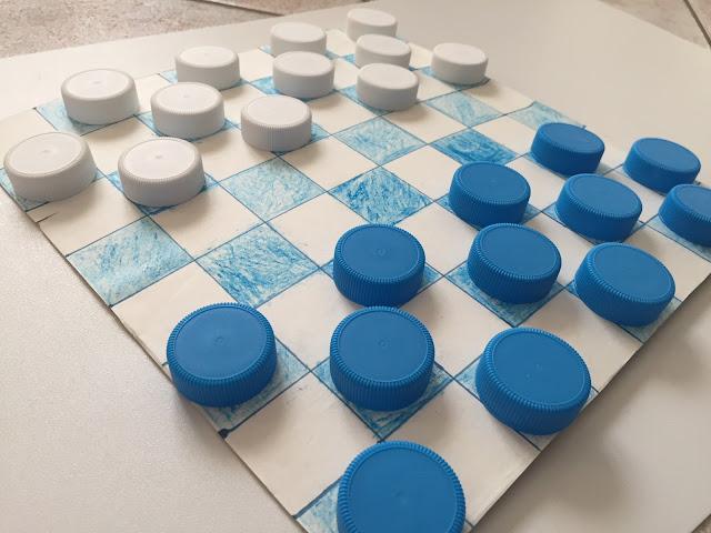 3 facili idee per creare giochi con tappi di plastica