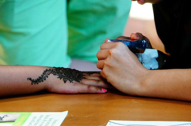 Henna hand painting, S.E.A. Aquarium