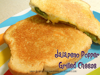 Jalapeno Popper Grilled Cheese | Roasted jalapenos and lots of monterey jack cheese make for one too-good-to-handle grilled cheese sandwich! #jalapeno #sandwich #recipe