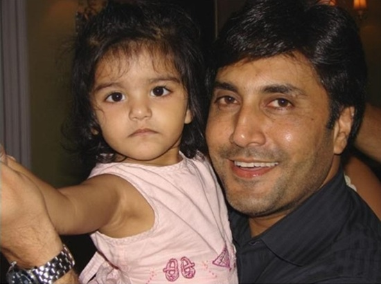 Adnan Siddiqui with his daughter