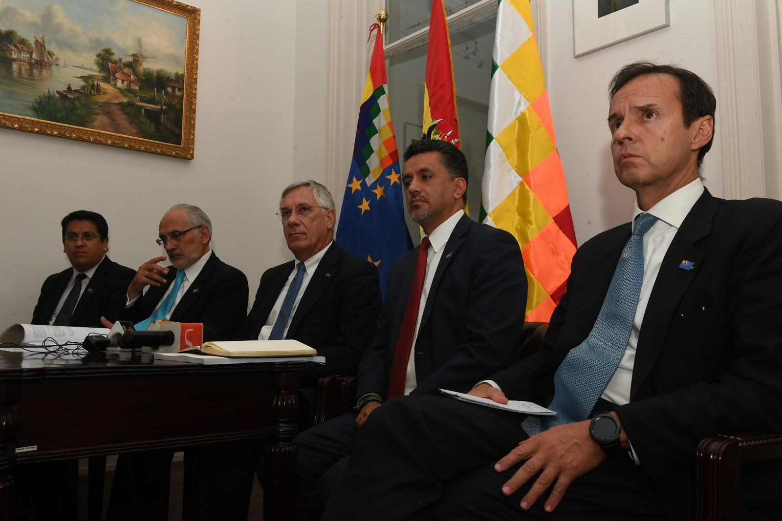 Expresidentes bolivianos reconocieron el fallo, pero expresaron no estar de acuerdo con la CIJ / ABI